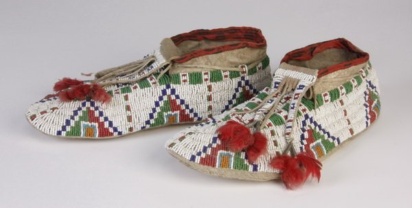 19: Late 19th c. fully beaded Sioux moccasins