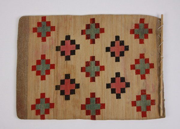 72: Early 20th c. Nez Perce cornhusk bag