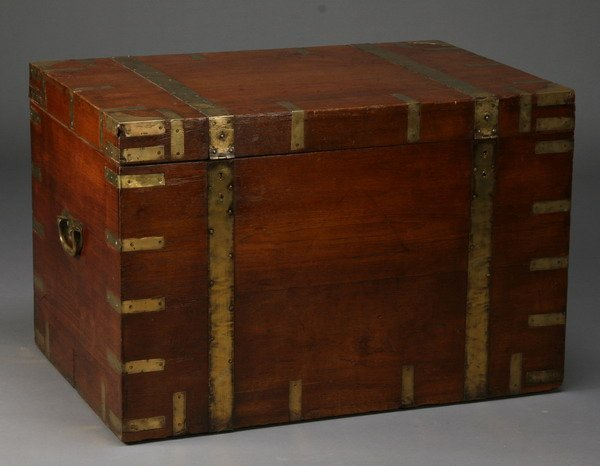 17: 19th c. British campaign trunk