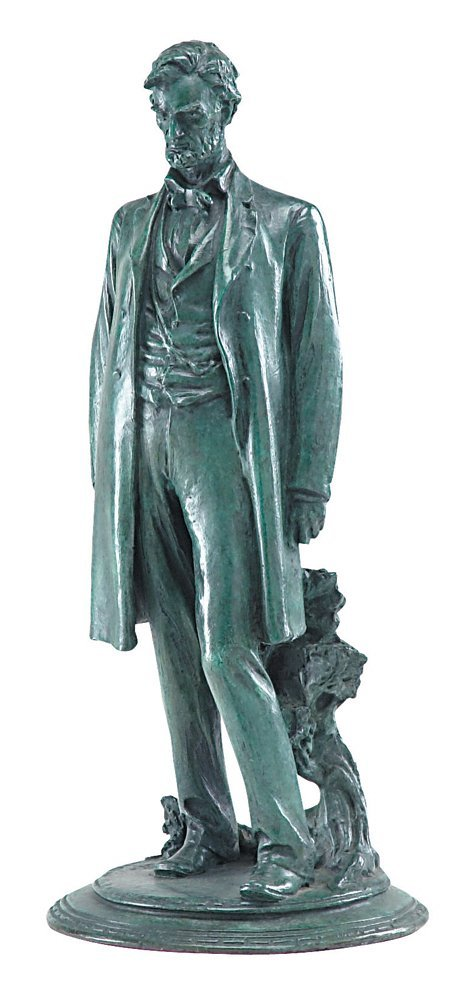 Bronze sculpture of Lincoln by de Francisci