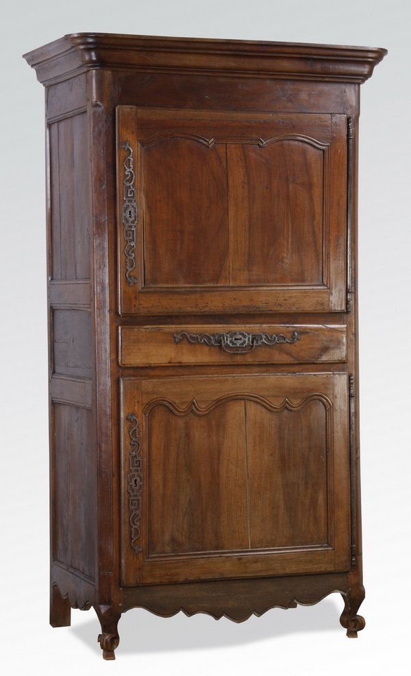 18th c. French walnut bonnetiere