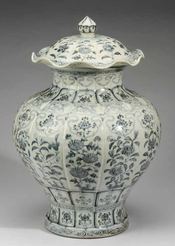 "Large Chinese covered jar, w/ auspicious flowers, 22"" - 3"