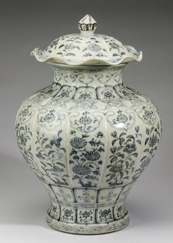 """Large Chinese covered jar, w/ auspicious flowers, 22"""" - 5"""