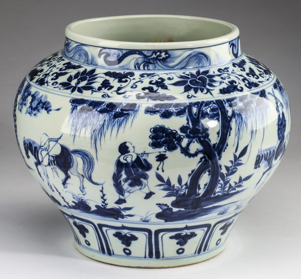 """Chinese Yuan style jar w/ warriors, 12""""h - 4"""