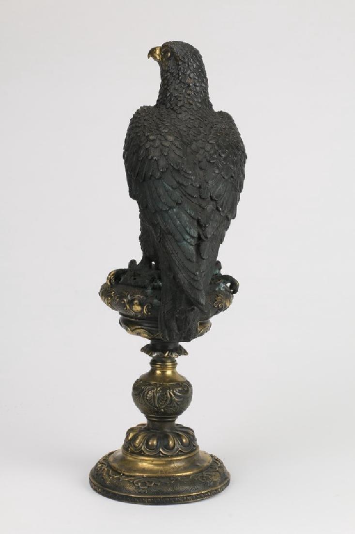 Patinated and gilt bronze sculpture of a bird of prey - 2