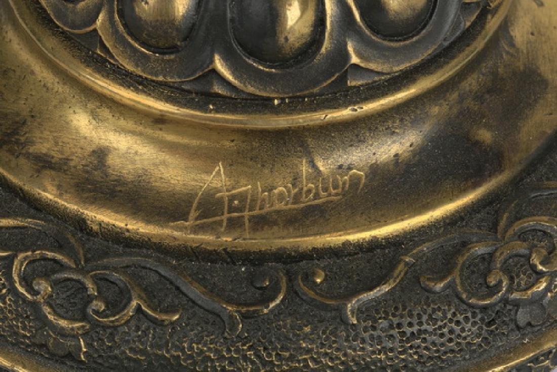 Patinated and gilt bronze sculpture of a bird of prey - 3