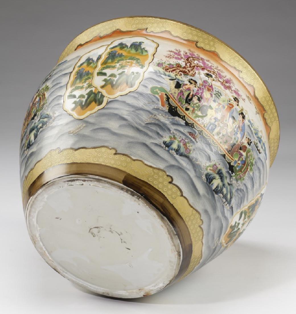 Chinese ceramic fishbowl with stand - 4