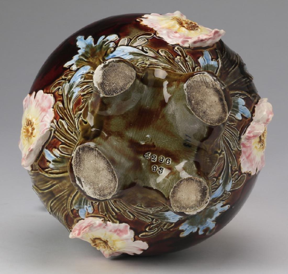 "Continental polychrome majolica vase, 12""h - 2"