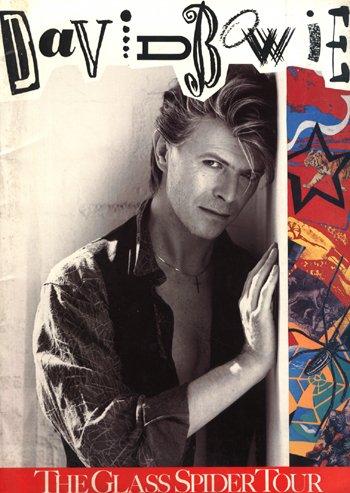 1009: 1009-David Bowie concert programme