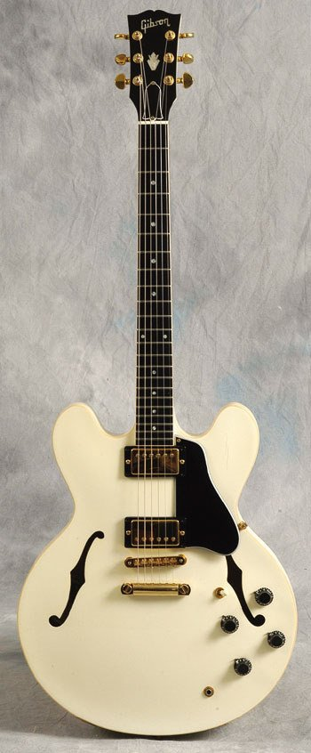 22: A Francis Rossi GIbson guitar