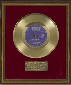 1022: Englebert Humperdink 'Release Me' Award
