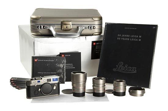 105: LEICA: M7 Titanium '50 Year' Set
