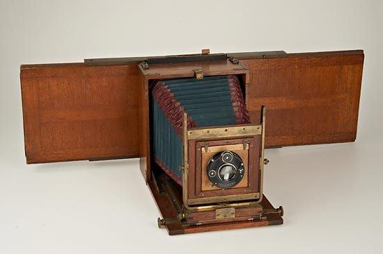 698: W. Bermpohl  Dr. Miethe's Three-Color Camera - 2