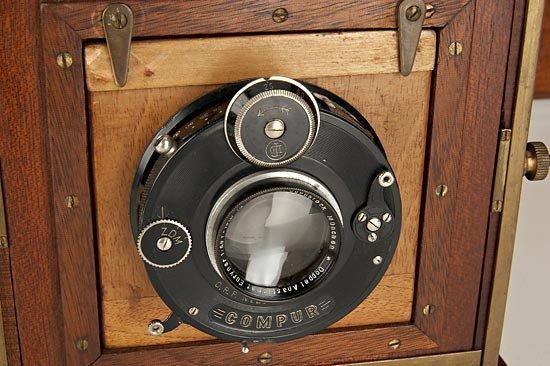 698: W. Bermpohl  Dr. Miethe's Three-Color Camera - 3