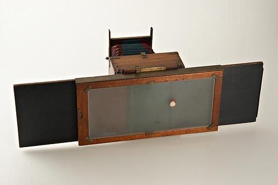 698: W. Bermpohl  Dr. Miethe's Three-Color Camera - 4