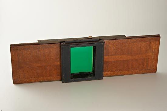 698: W. Bermpohl  Dr. Miethe's Three-Color Camera - 5