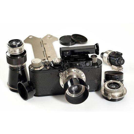 16: Leica: II Mod.D black outfit