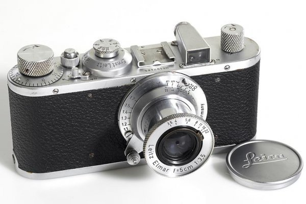 11: LEICA: Standard chrome