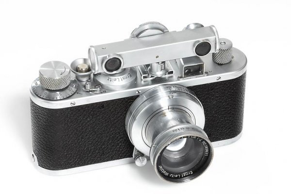 12: LEICA: Standard chrome