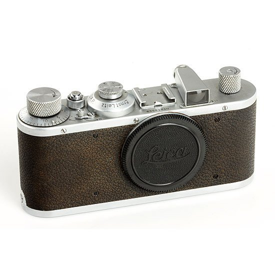 16: Leica: Standard  chrome