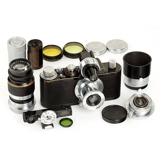 17: Leica: Standard  black/chrome outfit