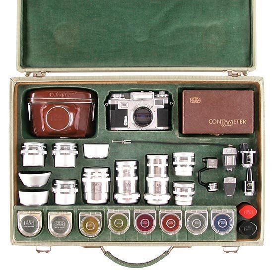 554: CONTAX Cameras: Contax  Demonstration case