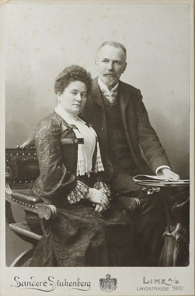 1019: August Sander,  Couple