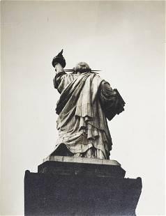 1067: Berenice Abbott , Statue of Liberty