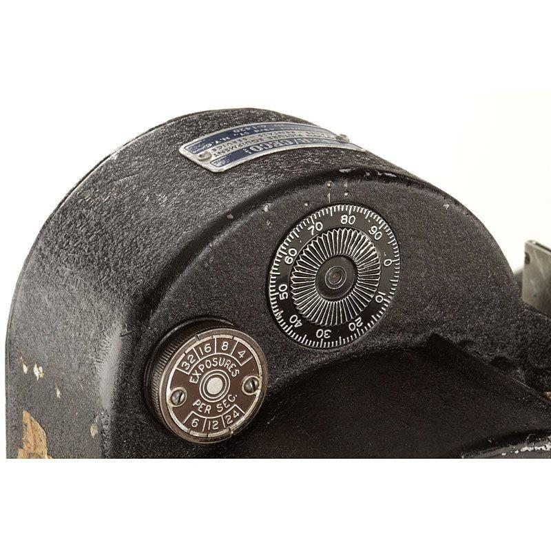 554: Bell & Howell Eyemo Camera 71, no. 305246 - 4