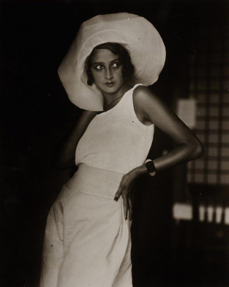 JACQUES-HENRI LARTIGUE (1894–1986) Renée Perle, Biarrit