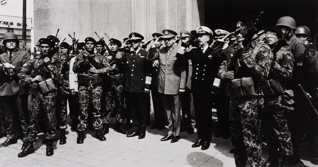 CHAS GERRETSEN (* 1943) Augusto Pinochet and officers a