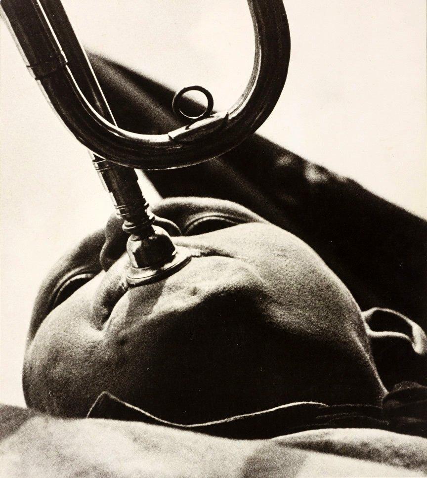 ALEXANDER RODCHENKO (1891–1956) Pionier mit Trompete /