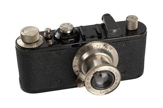 10: Leica: Standard  Black
