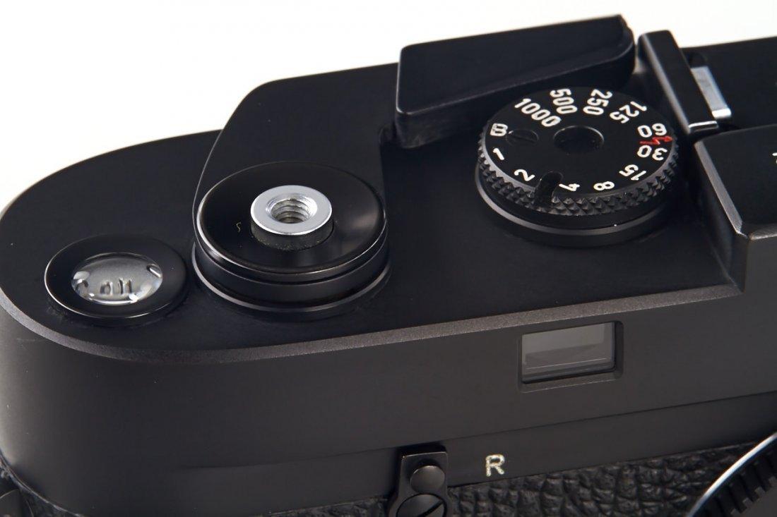 Leica M4 black Wetzlar *, 1975, no. 1413492 - 2