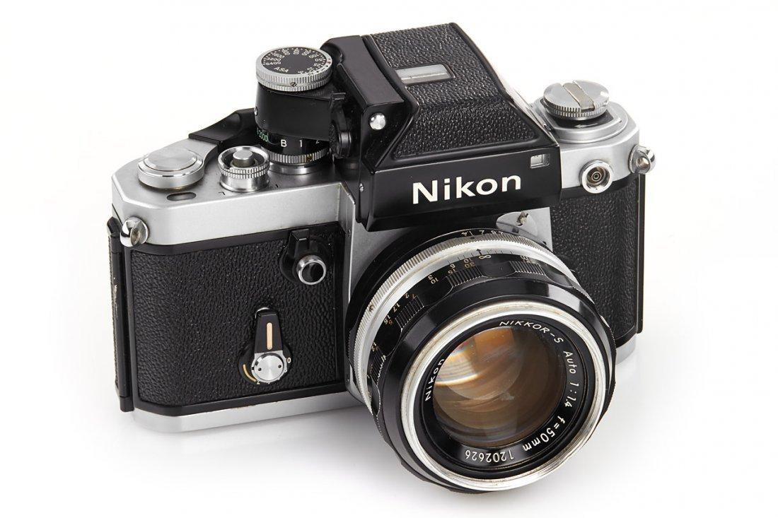 Nikon F2 Display Model *, 1971, no. 7109635