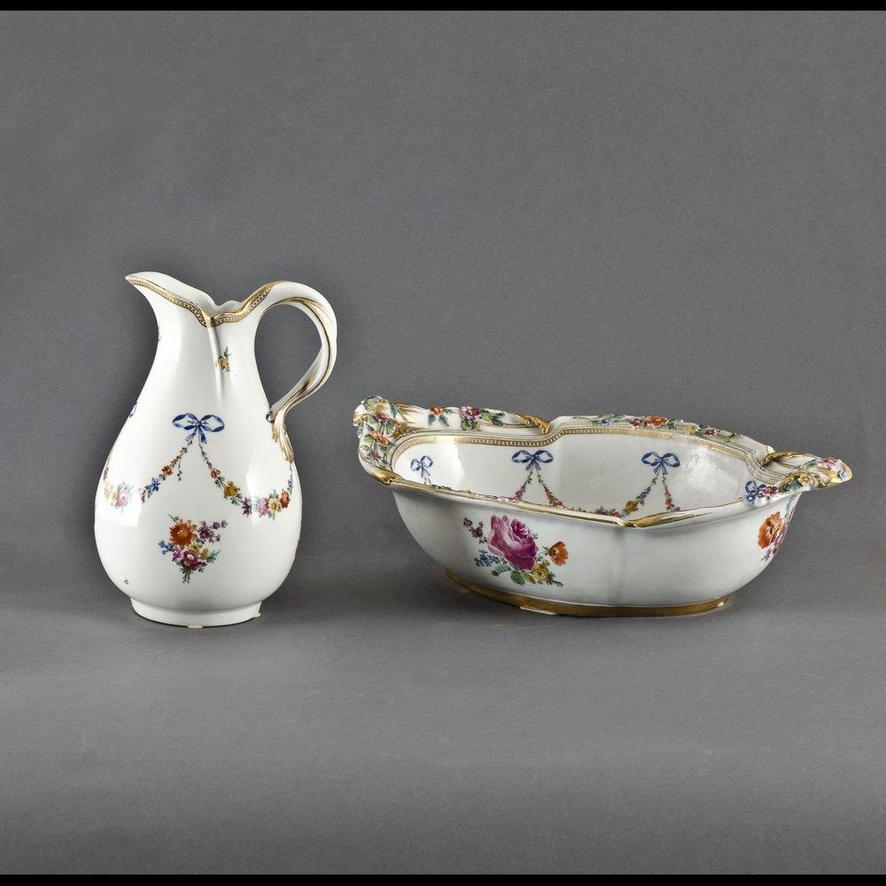 Germany, 18th c. - Set of two Meissen ceramics