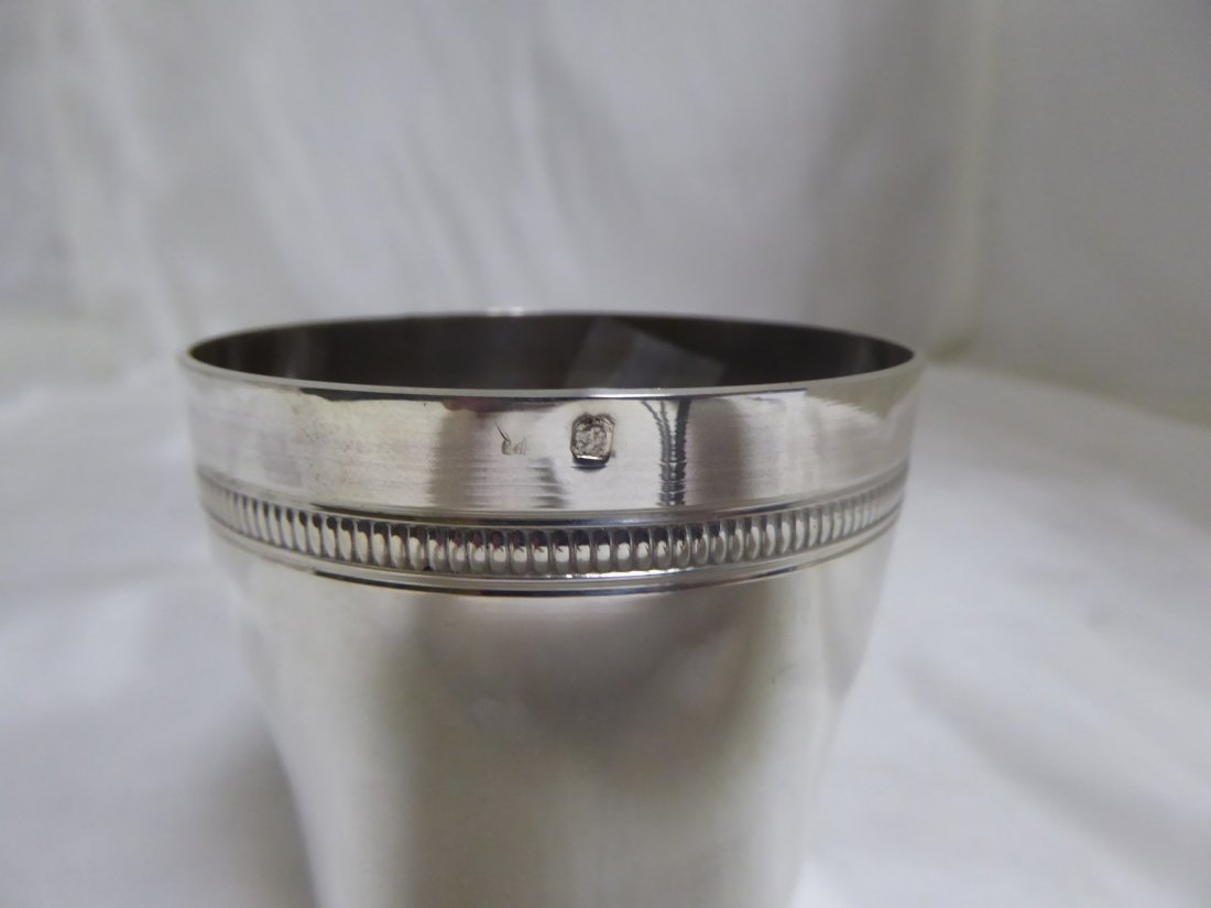 Tumbler in solid silver