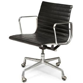 Charles & Ray Eames Aluminum Group chair, leather
