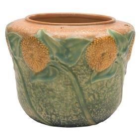 Roseville Pottery Co., Sunflower vase, Zanesville, OH,