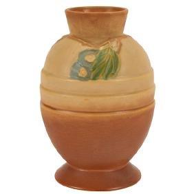Roseville Pottery Co., Futura vase, Zanesville, OH,