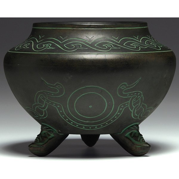 17: Norse vase, footed form, decorated with Aztec desig