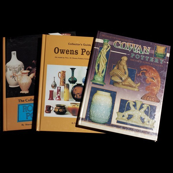 1219: Collector's Encyclopedia of Cowan Pottery with Ro
