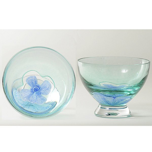 1: Caithness Glass Pedestal Bowl