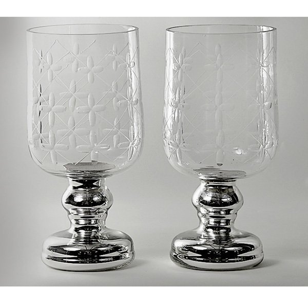 9: Pair of Mercury and Glass Vases