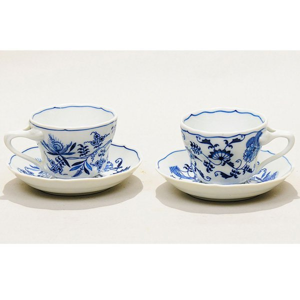 11: Blue Danube cups and saucers set of 12