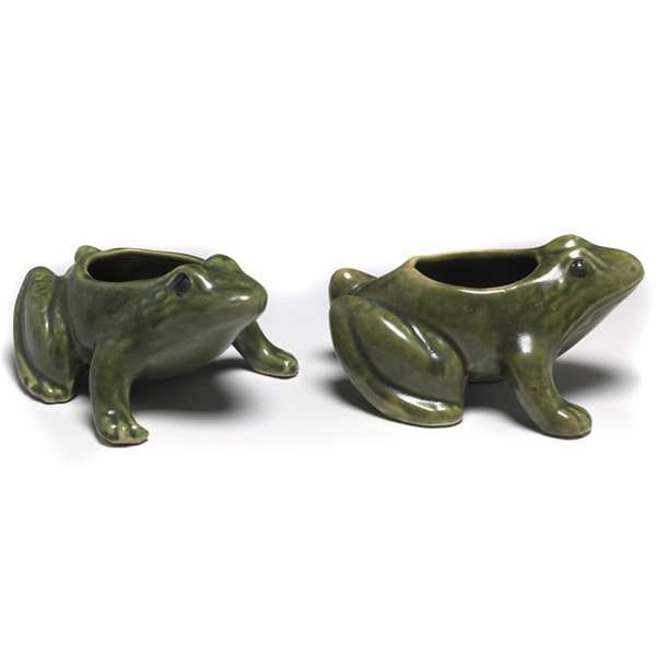 614: Art Pottery planters, two, frog