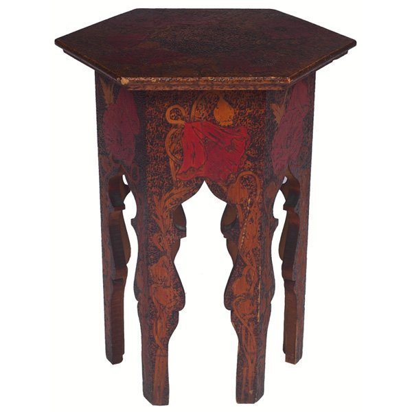 17: Arts & Crafts tabouret