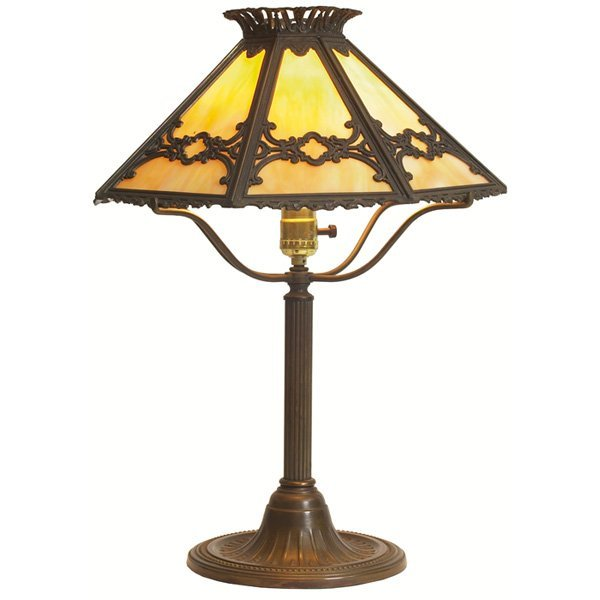 22: Arts & Crafts lamp, eight-sided slag glass