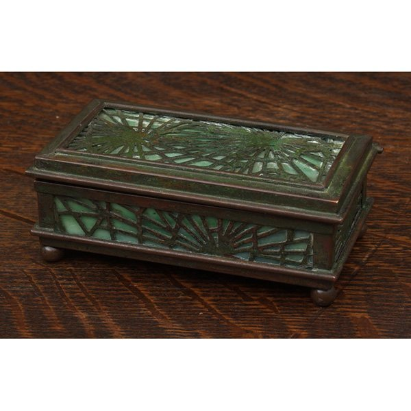 549: Tiffany Studios stamp box, pine needle pattern