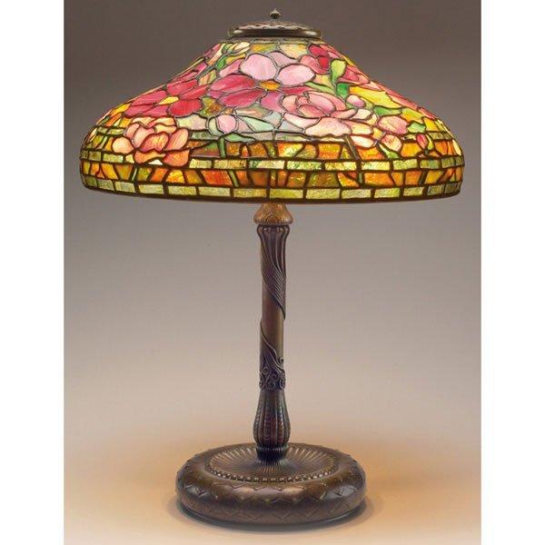 545: Tiffany Studios table lamp, peony